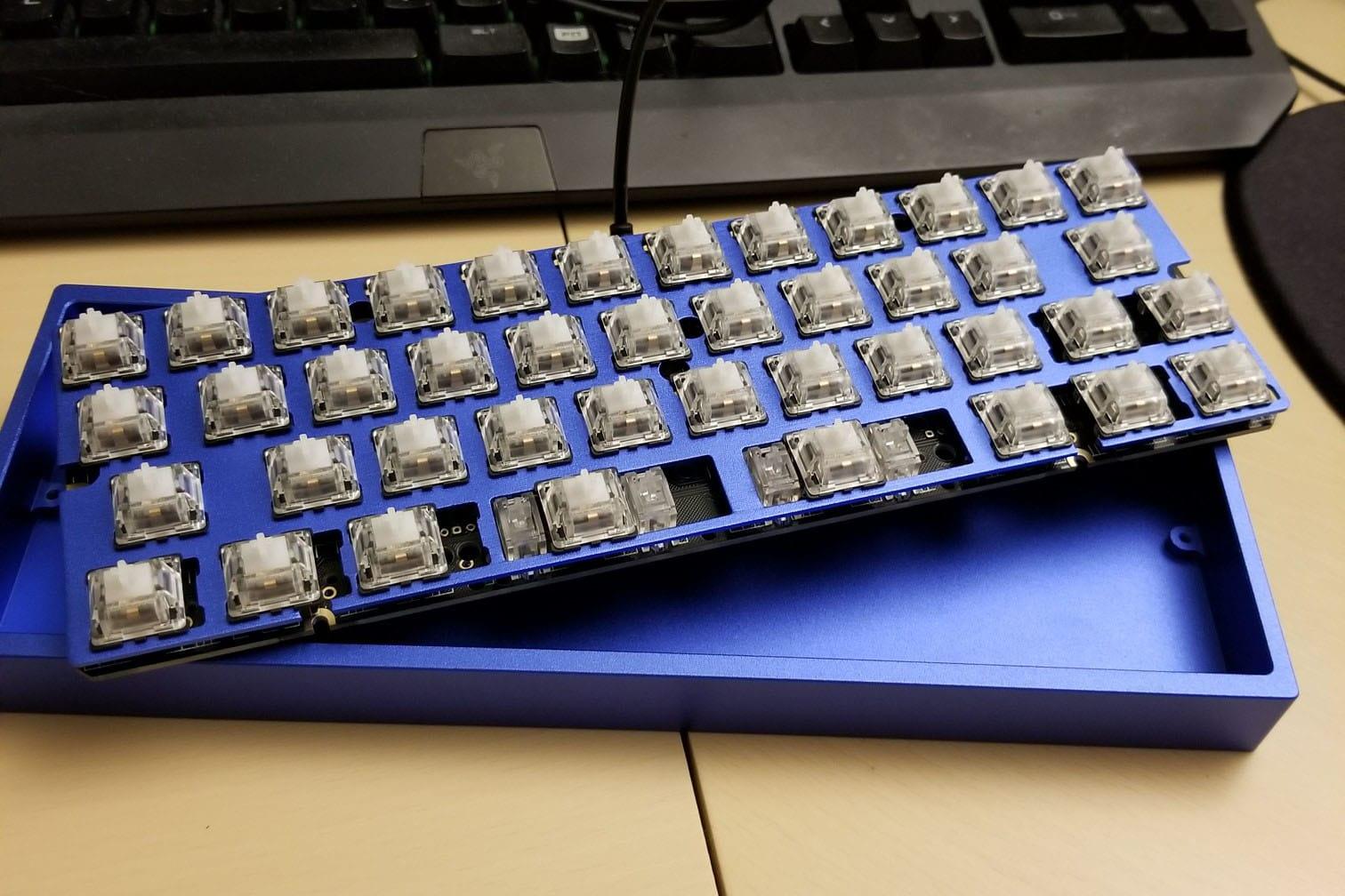 AMJ40 Aluminum Blue Case