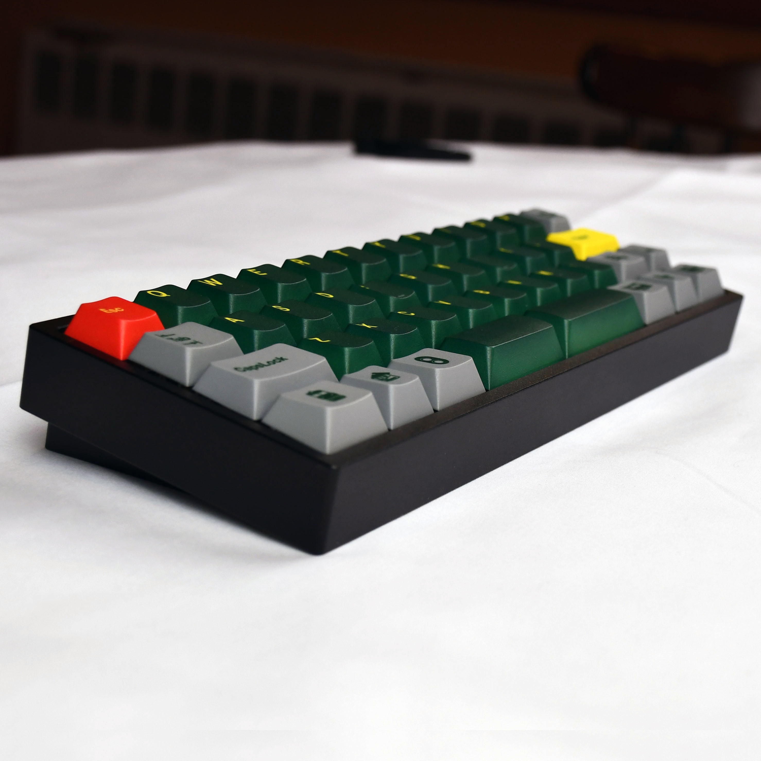 AMJ40 Keyboard Side
