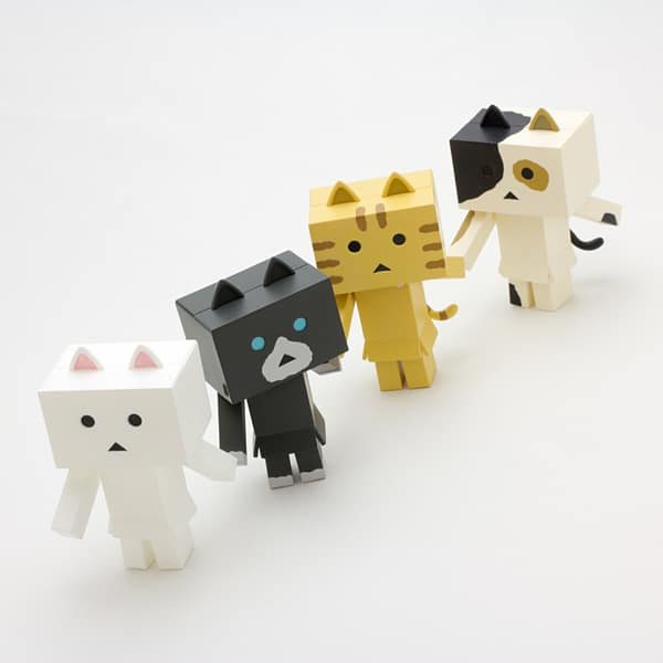 Nyanboard Danboard Holding Hands