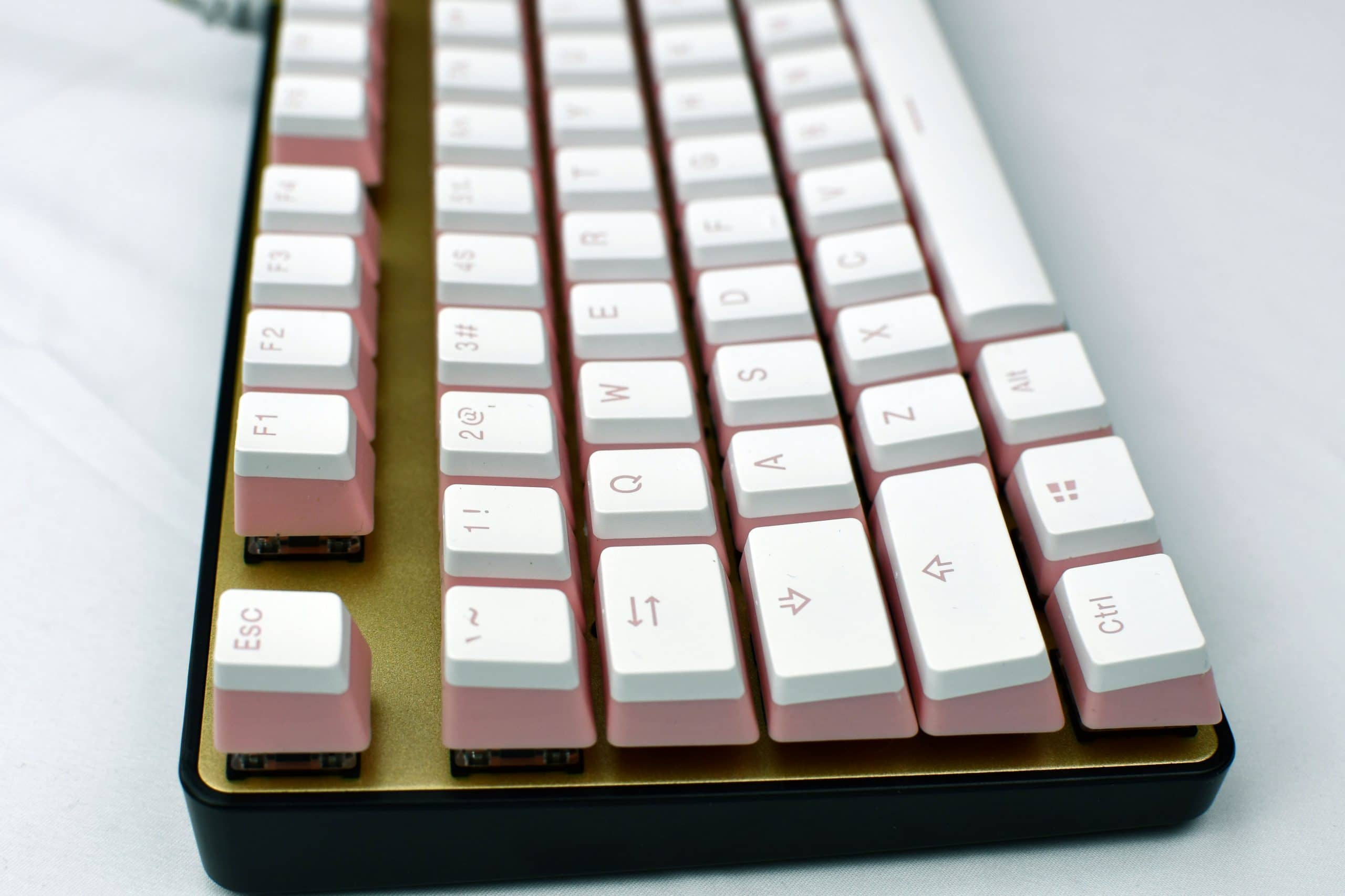 Pudding Keycaps Pink Profile