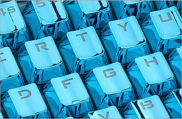 Blue Electroplated Keycaps Close
